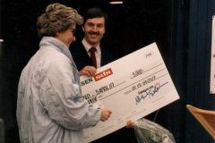 SDS sponsorede 5000  – men selv i 1987 var det et ret behersket beløb til en håndbygget inrigger. (Poul Erik Stenfelt)