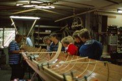 Ungdomsroerne på besøg hos bådebygger Victor Jensen i Hundested.