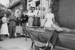 """Løgstørbåden TUN blev døbt i 1957 af fru slagtermester Sonja Rasmussen.  TUN er nu klubbens """"talerstol""""."""