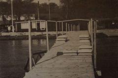 1981: Ny bro med rør, der blev skruet ned.