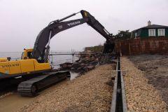 I jan. 2008 blev der kystsikret. I feb. begyndte Årslev på et  nyt broanlæg
