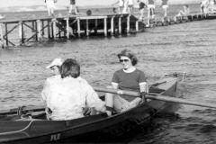 Skolesvømningen foregik fra broen indtil 1978 (Hanne Solberg i FrII)
