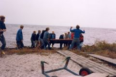 okt. 81: Leif Andersen dirigerer de hårdt-slæbende roere