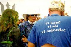 1999: Unge mand - kan det virkelig passe..... - Og så kom Grethe Lindquist i baljen.