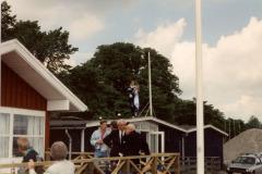 Kl. 12 blev standeren taget ned på det gamle klubhus og overført til det nye.