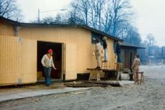 I 1977 blev der isoleret og opsat udvendig finerbeklædning.