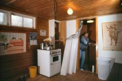 1990: Damernes omklædning med komfuret – og brusekabinen var i værkstedet