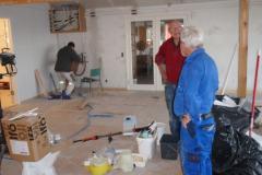 Motionsrummet tager form. Birger Bech-Hansen og Erik Rolf