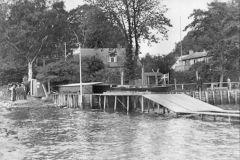 1941. Penalhuset på fisker Ole Nielsens grund ved stentangen syd for nuværende klubhus..