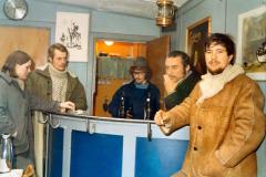 """1971 - man beholdt overtøjet på i det uisolerede klubhus. Bl.a.  Hans Jørgen """"Honk"""" og Kai Otto Nielsen."""